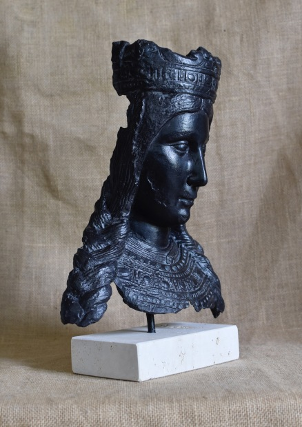 Bust Marededéu Crosta Pedra